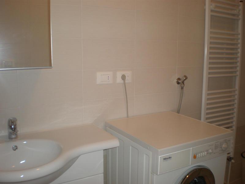 Agenzia immobiliare san martino - Bagno con lavatrice ...